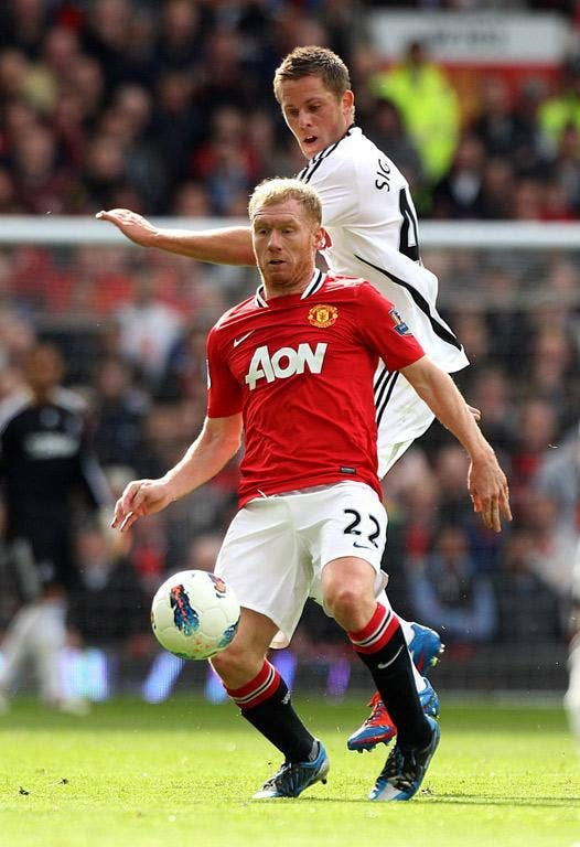 Paul Scholes has marked his final game at Old Trafford with his United's first goal