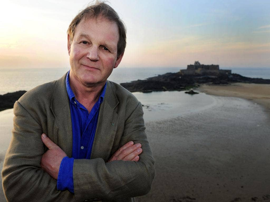 Michael Morpurgo is investigating the state of child literacy