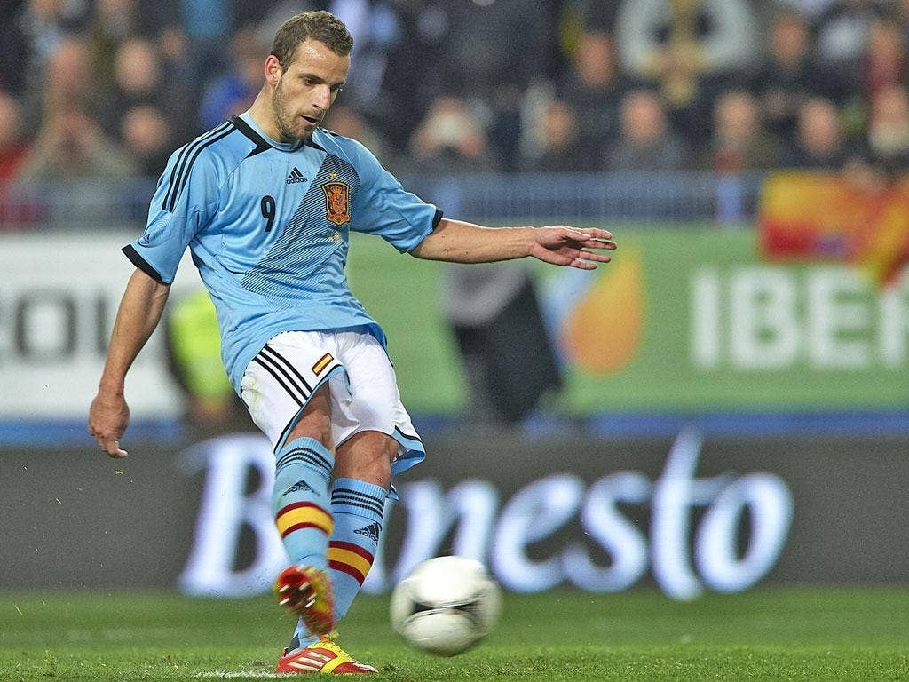 <b>Roberto Soldado</b><br/> Valencia striker Soldado inspired Valencia to another third place finish in La Liga and to the semi-finals of the Europa League scoring 27 goals in all competitions but still failed to make the cut. Spain manager Vicente del Bo