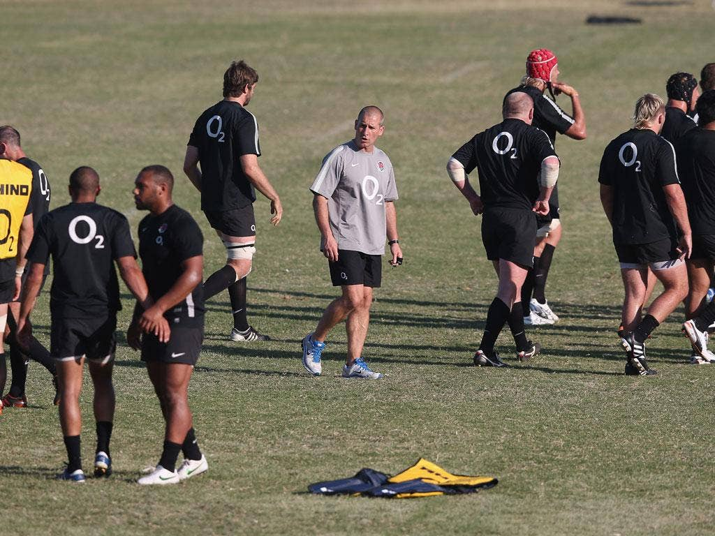 Stuart Lancaster takes training in South Africa