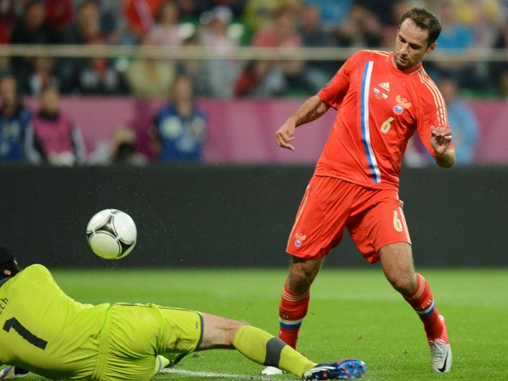 <p><strong>Roman Shirokov</strong> </p><p> Sat deep but has a real knack for getting into goalscoring positions. Finished the second goal with a delightful dink over the onrushing Cech. <strong>7</strong></p>