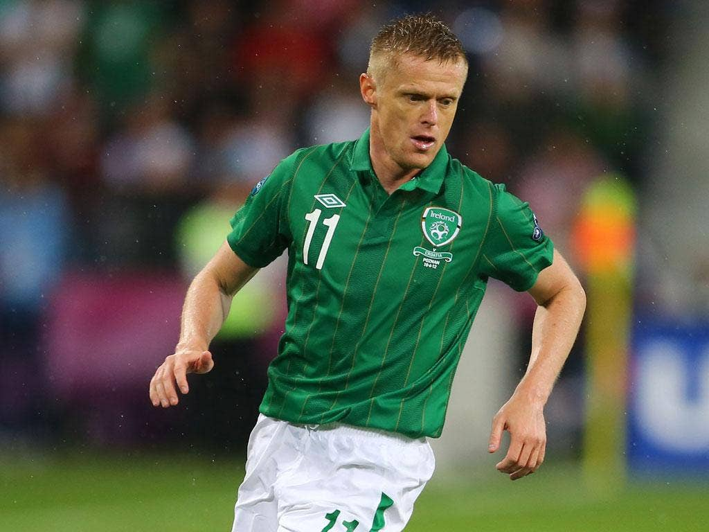 <b>Damien Duff: </b>Always on the back foot. Spent most of the evening providing cover to John O'Shea. Never got far enough forward to influence the game. 6