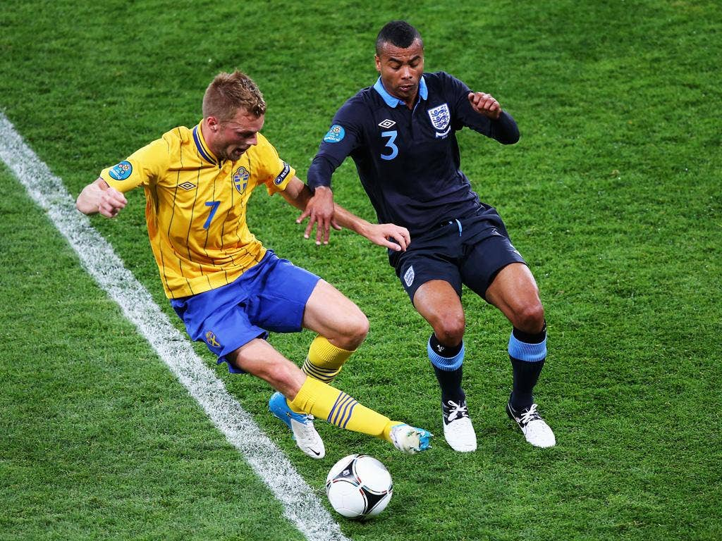 <b>Ashley Cole: </b>Great ball to Young to provide him with shooting chance in first half. Did come inside often and left space for Ibrahimovic to exploit behind him. 6