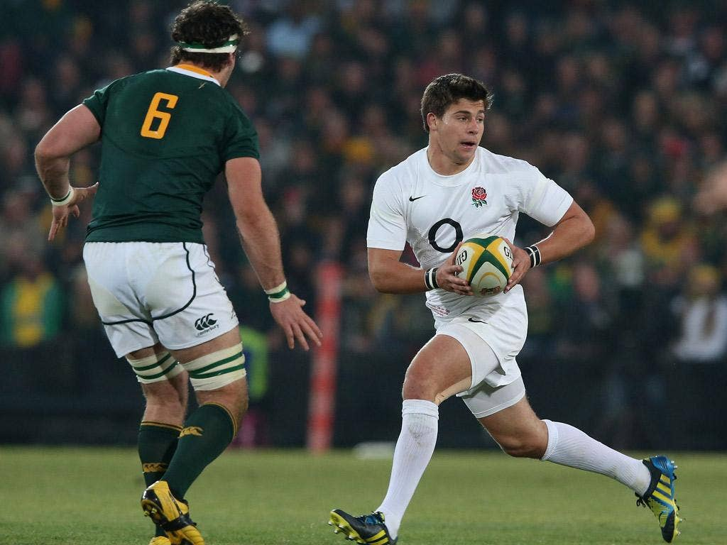 Youngs crossed twice as England put themselves in sight of an unlikely victory