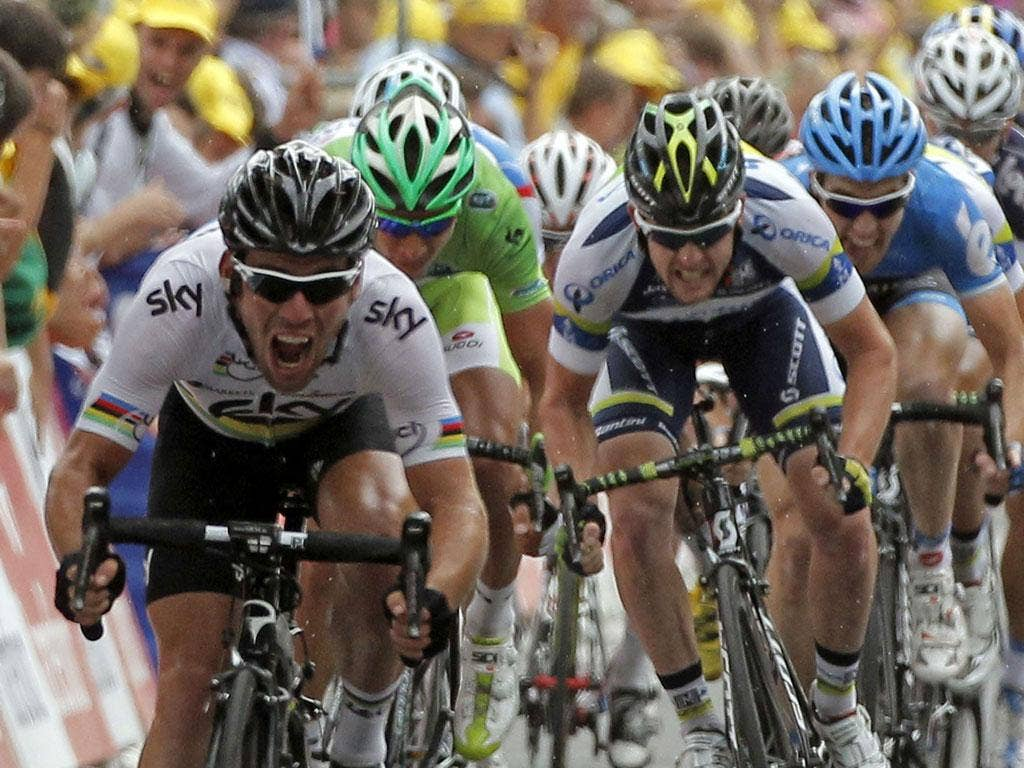 Mark Cavendish sprints home to win yesterday's 18th stage