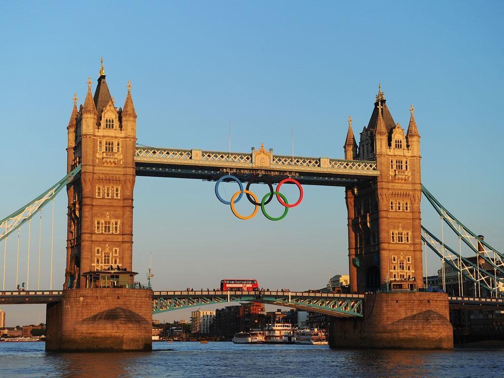The Olympic rings on London Bridge