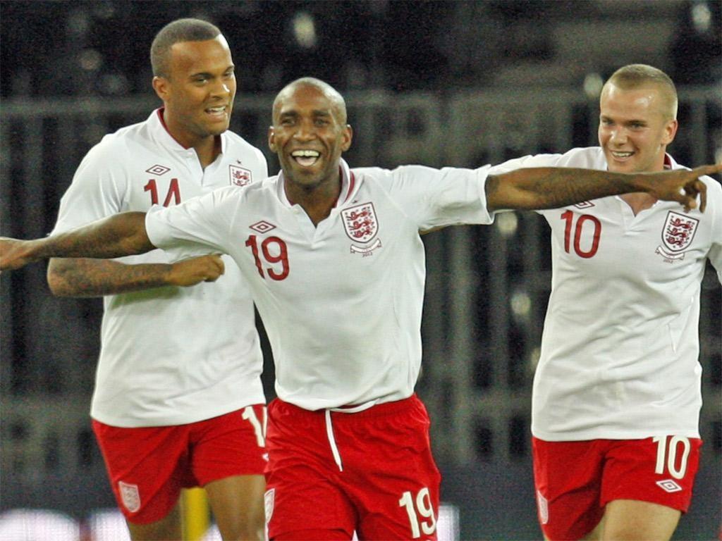 Jermain Defoe celebrates scoring a sublime winner