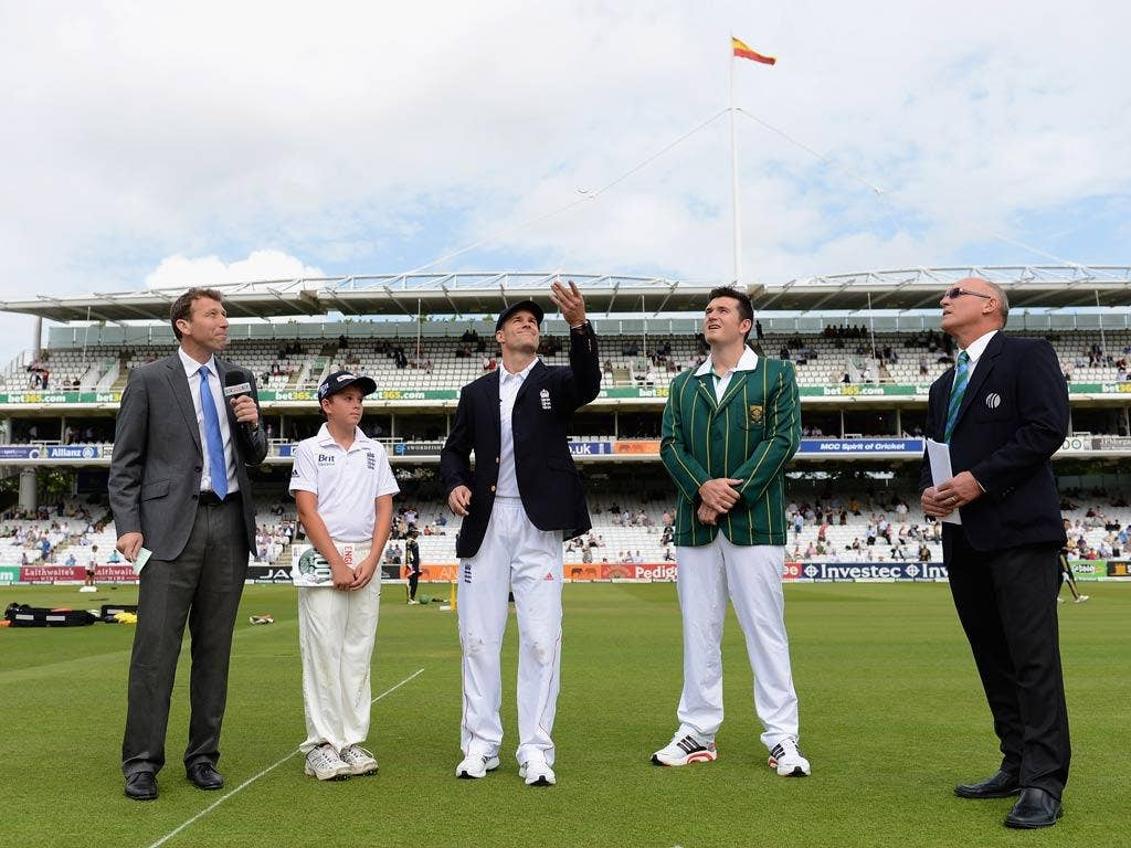 Andrew Strauss makes the toss on his 100th Test