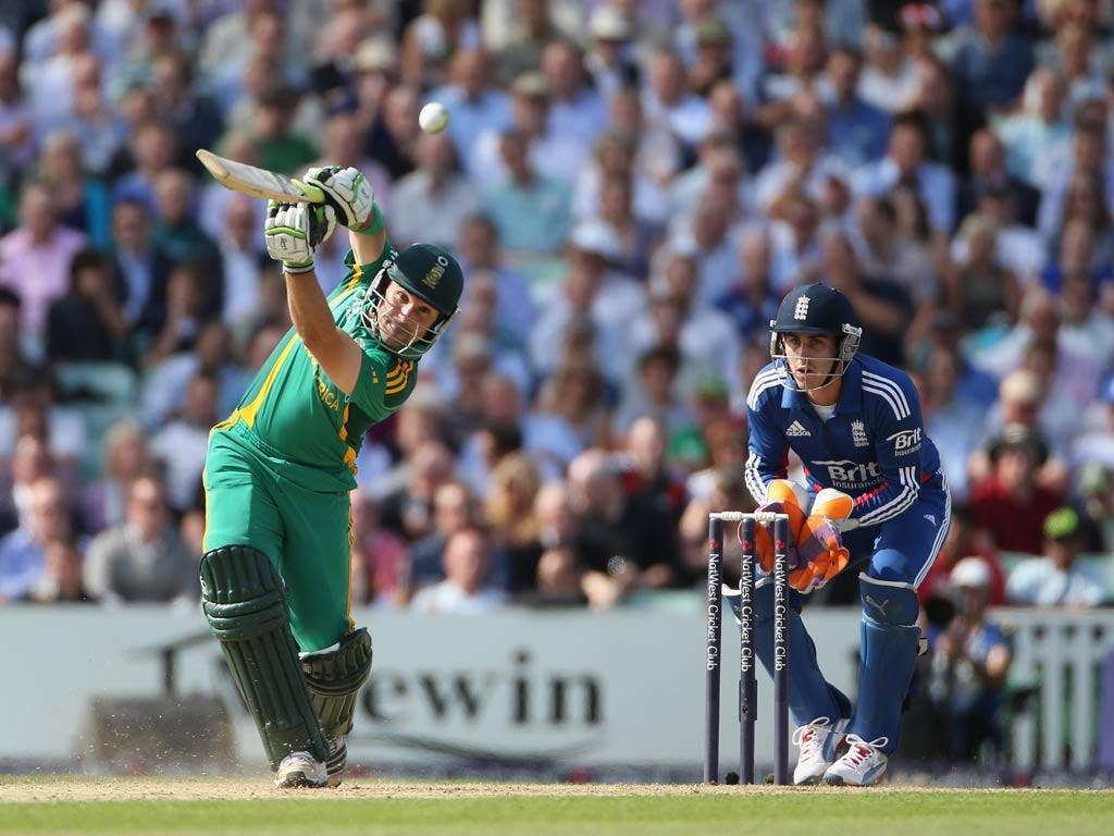 Dean Elgar of South Africa hits out
