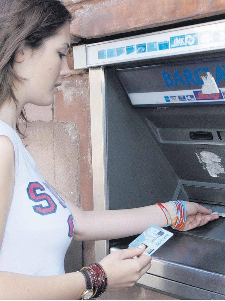 What bank account should you get as a student? There are so many options