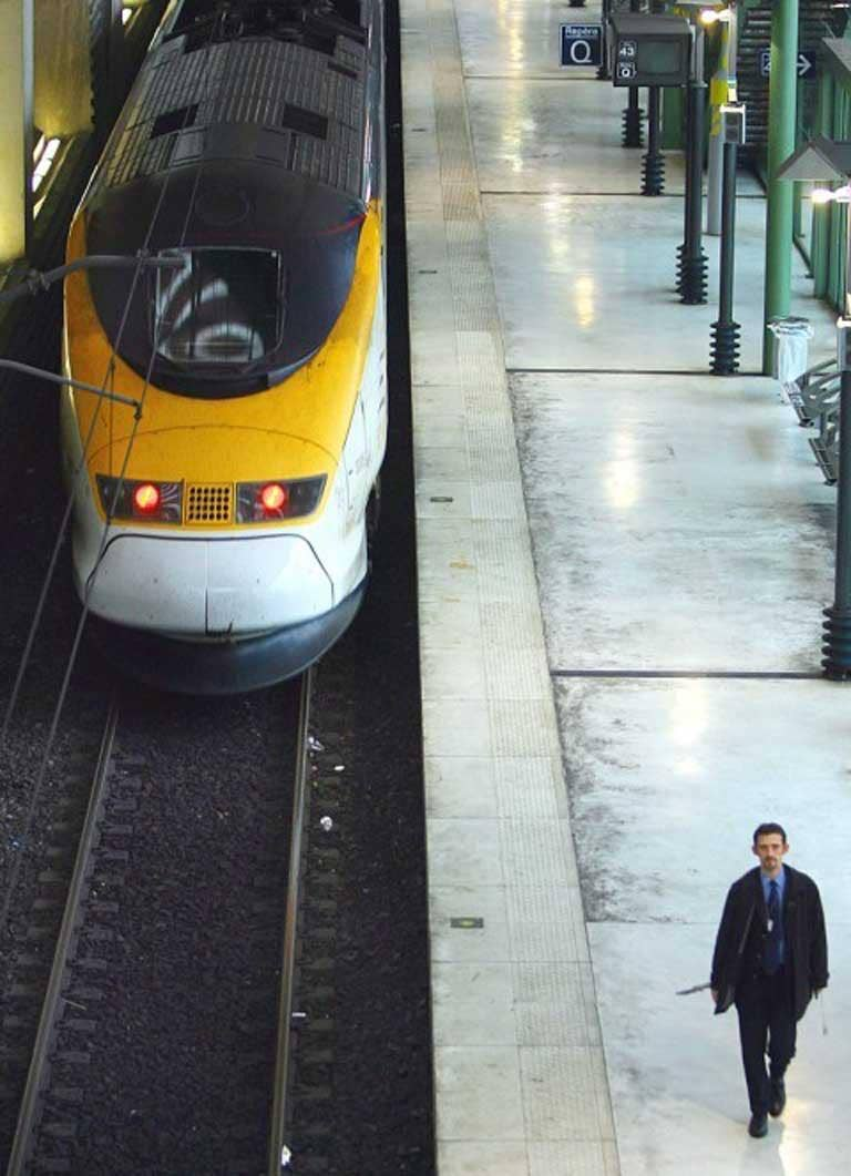 Gateway: take the Eurostar via Paris