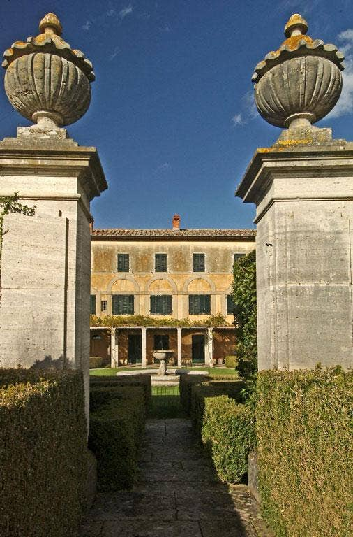 Singing sentences: Villa La Foce in Tuscany, Italy
