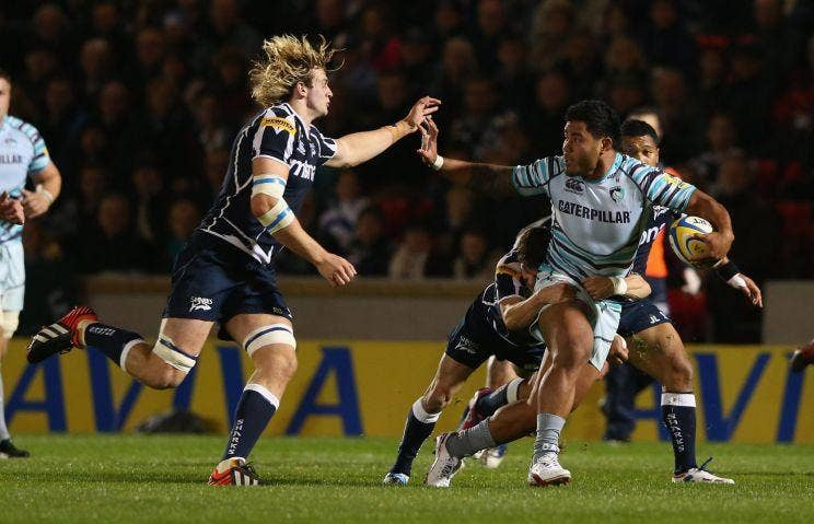Manusamoa Tuilagi of Leicester tries to escape the Sale cover