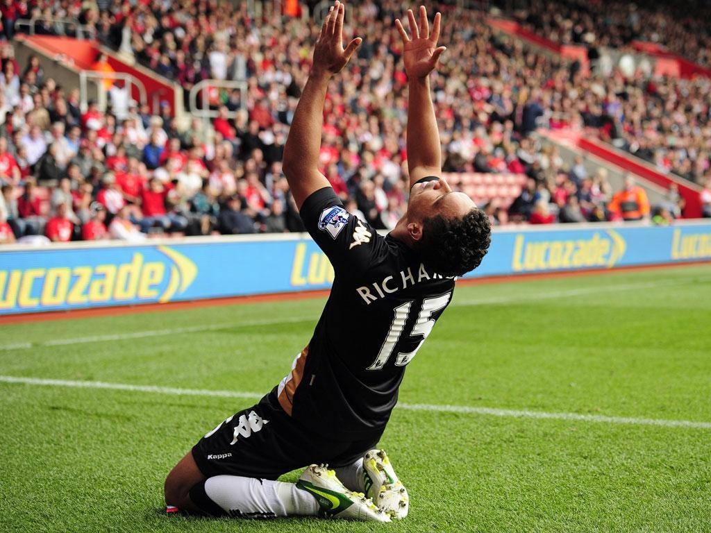 <b>Southampton 2-2 Fulham</b> Fulham's English midfielder Kieran Richardson celebrates scoring their second goal.