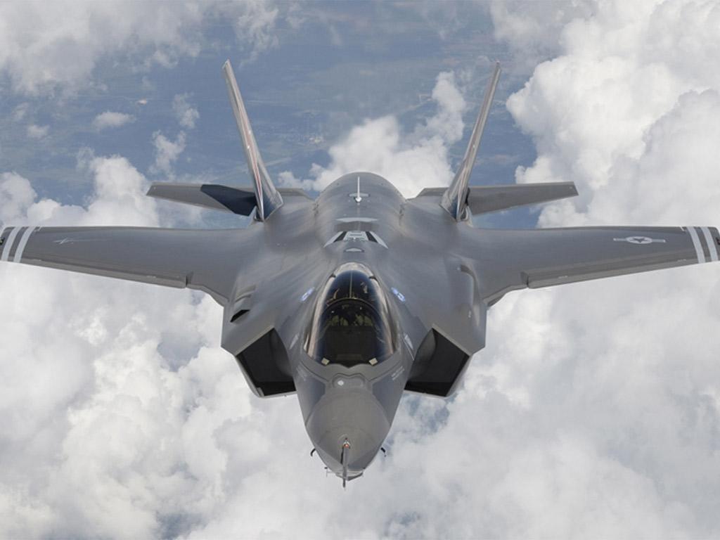 An F-35 Lightning jet