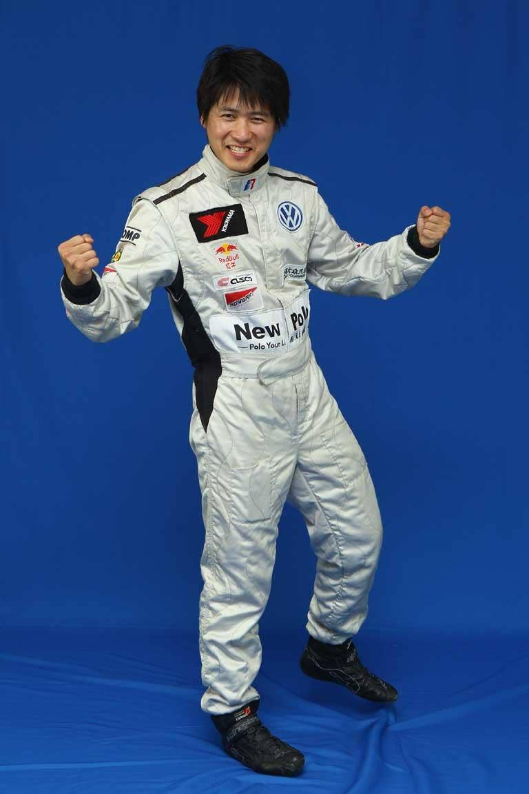 Racing towards freedom, or stalled with the old regime? Rally driver, novelist and blogger Han Han