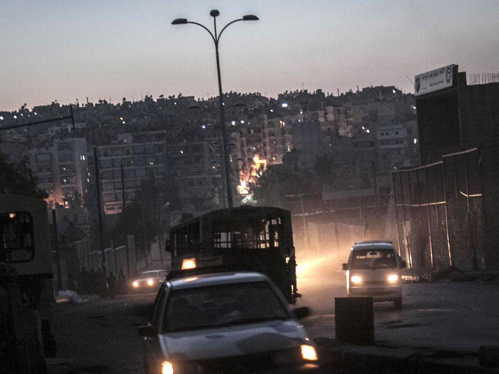 A Syrian rebel checkpoint last night in the Bustan Al-Pasha neighborhood, the boundary of the area controlled by rebel fighters in Aleppo