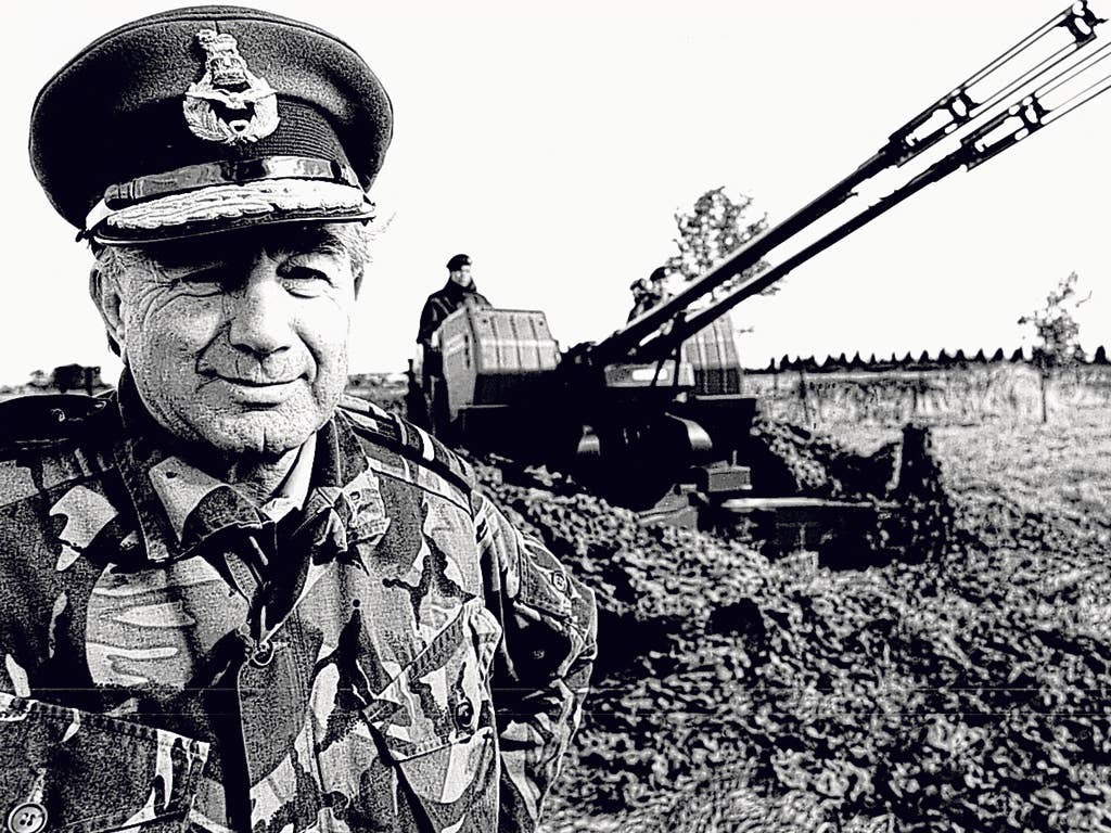 Hunt with a Falklands gun in 1988; he had been made a freeman of Port Stanley in 1985