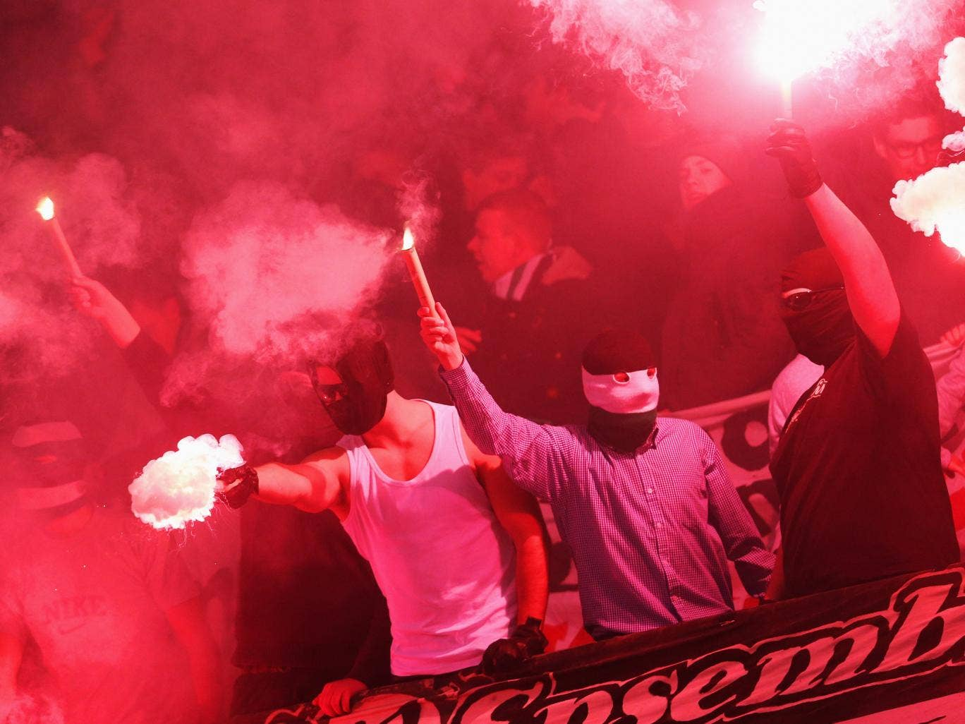 There were violent clashes between Hanover 96 and Dynamo Dresden fans in the German Cup