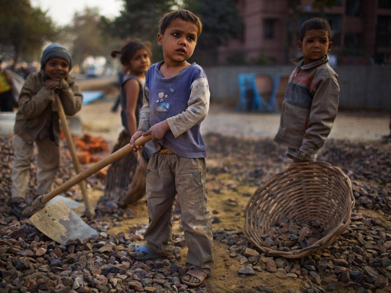 India considers cash handouts to the poor