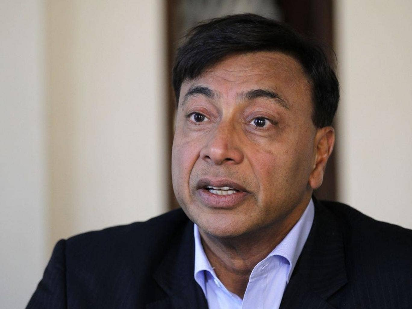Lakshmi Mittal had until midnight to sell a steel plant at Florange in Lorraine, at which point Paris had threatened to nationalise it