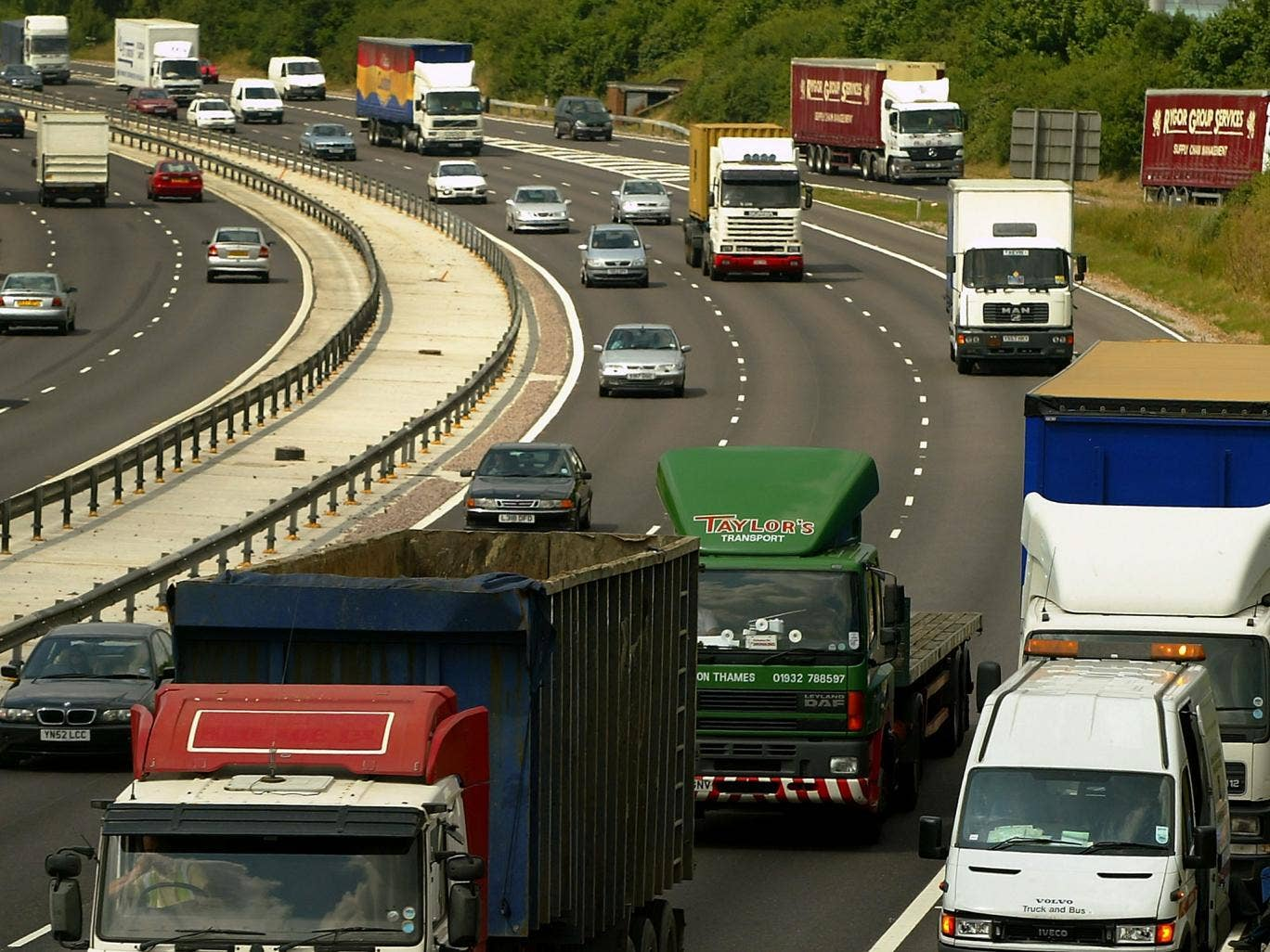 Accident resulted in the closure of five junctions of the motorway in both directions