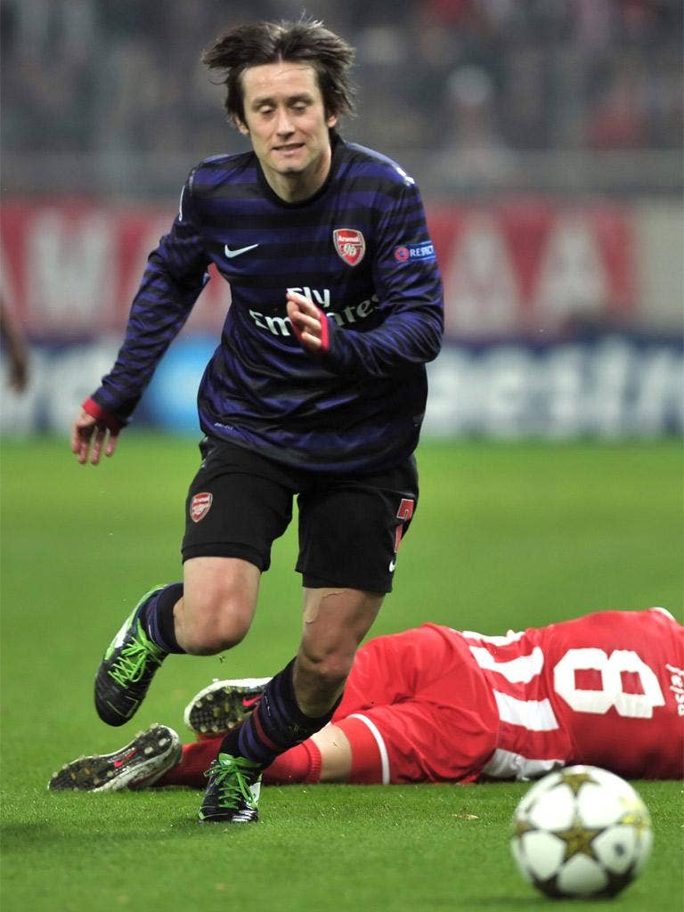 Rosicky scored the opening goal in Piraeus on Tuesday night