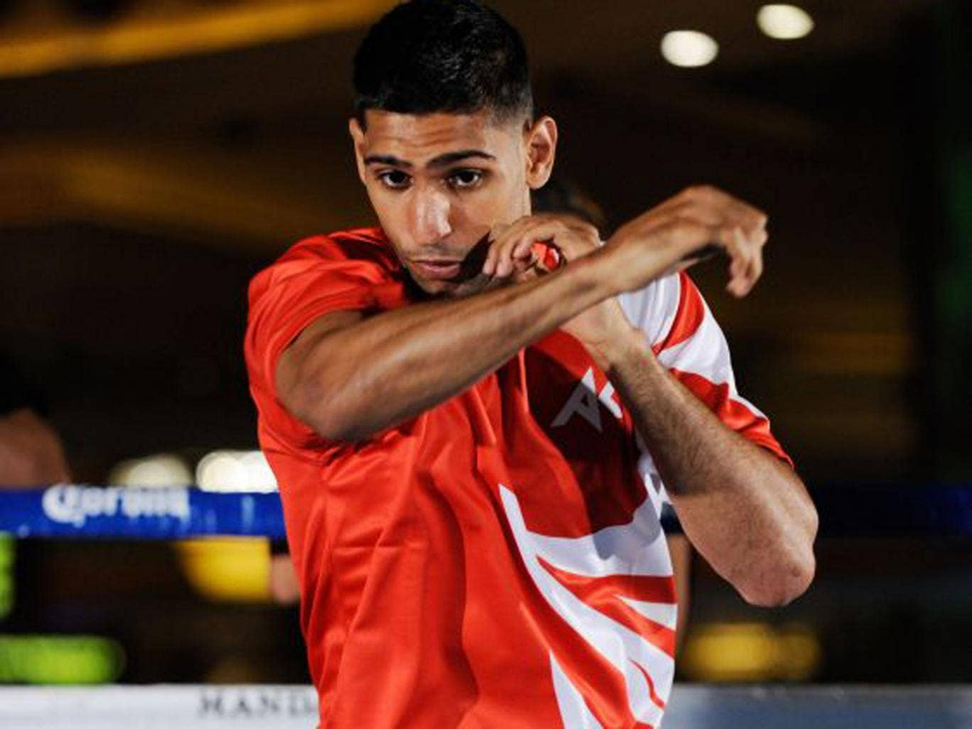 Amir Khan has been defeated three times as a pro boxer but hopes for a fresh start with new trainer Virgil Hunter