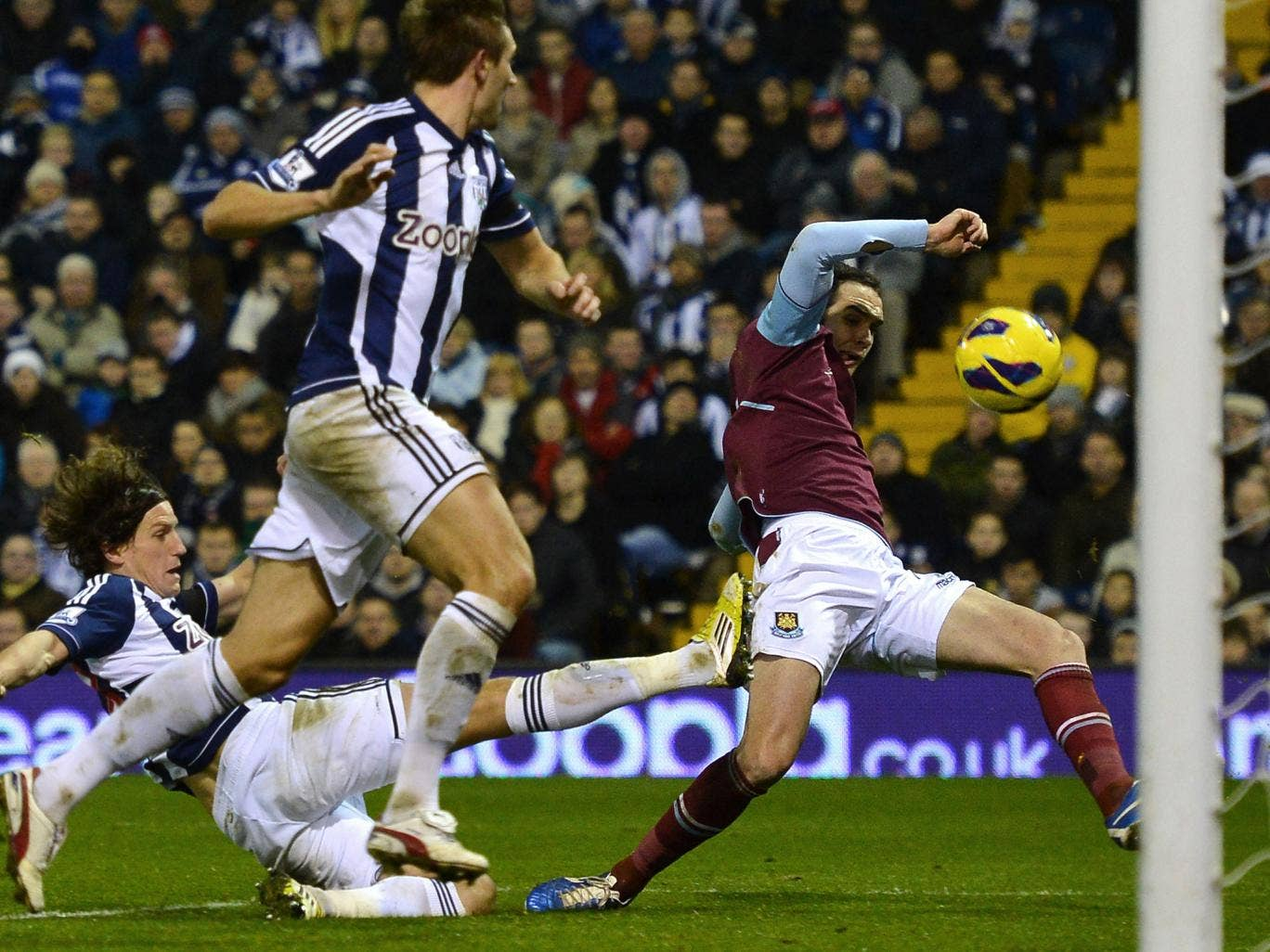 Matt Jarvis of West Ham lunges for the ball in one of many chances