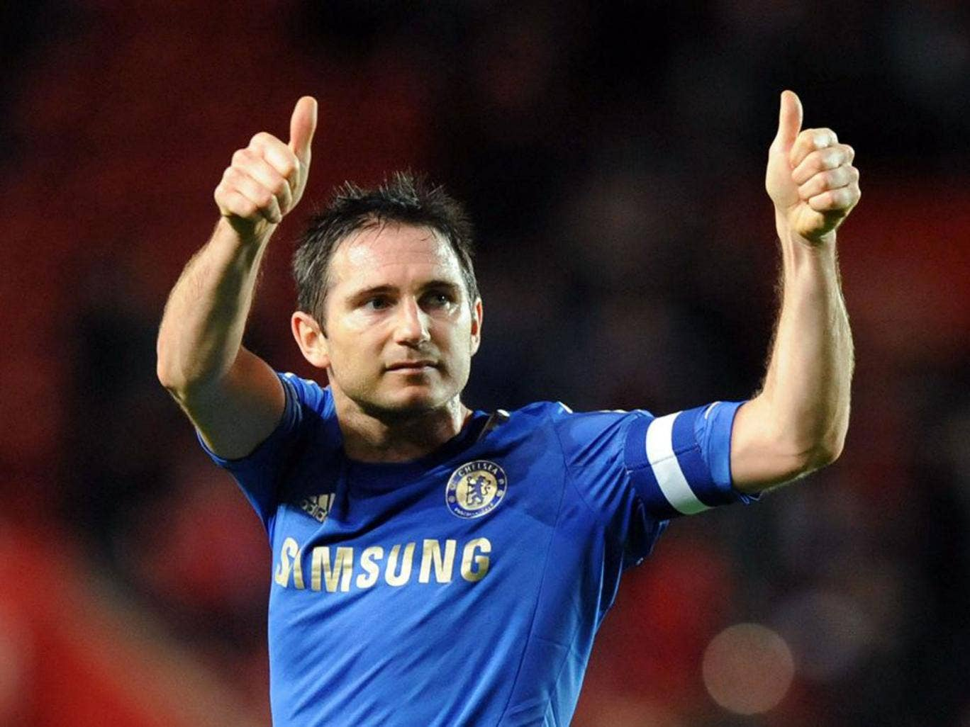 Frank Lampard gives the thumbs up to Chelsea's fans