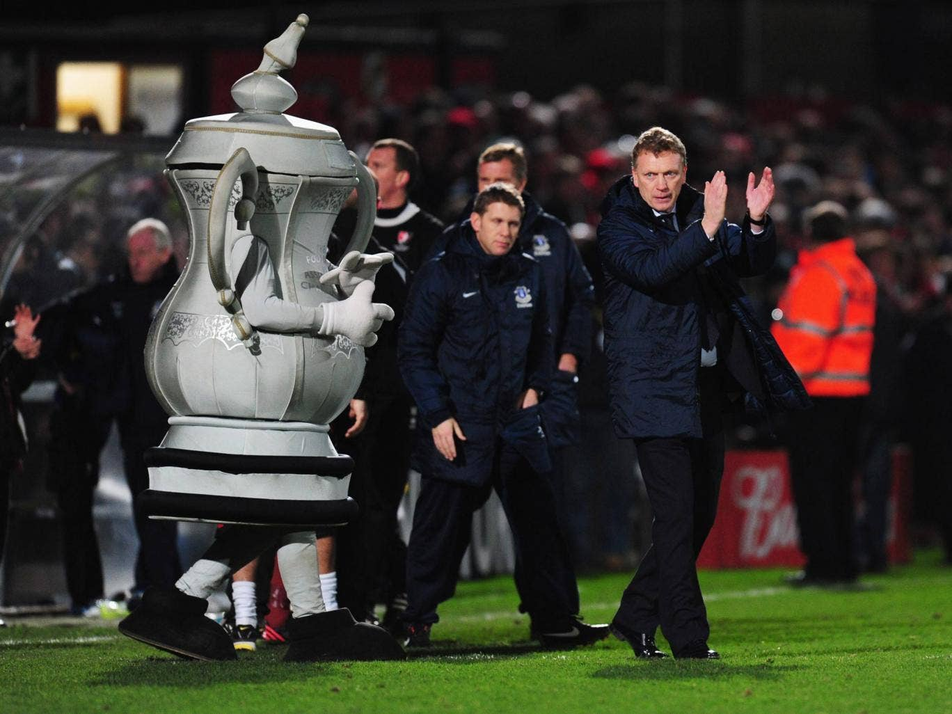 Davids Moyes with an FA Cup mascot