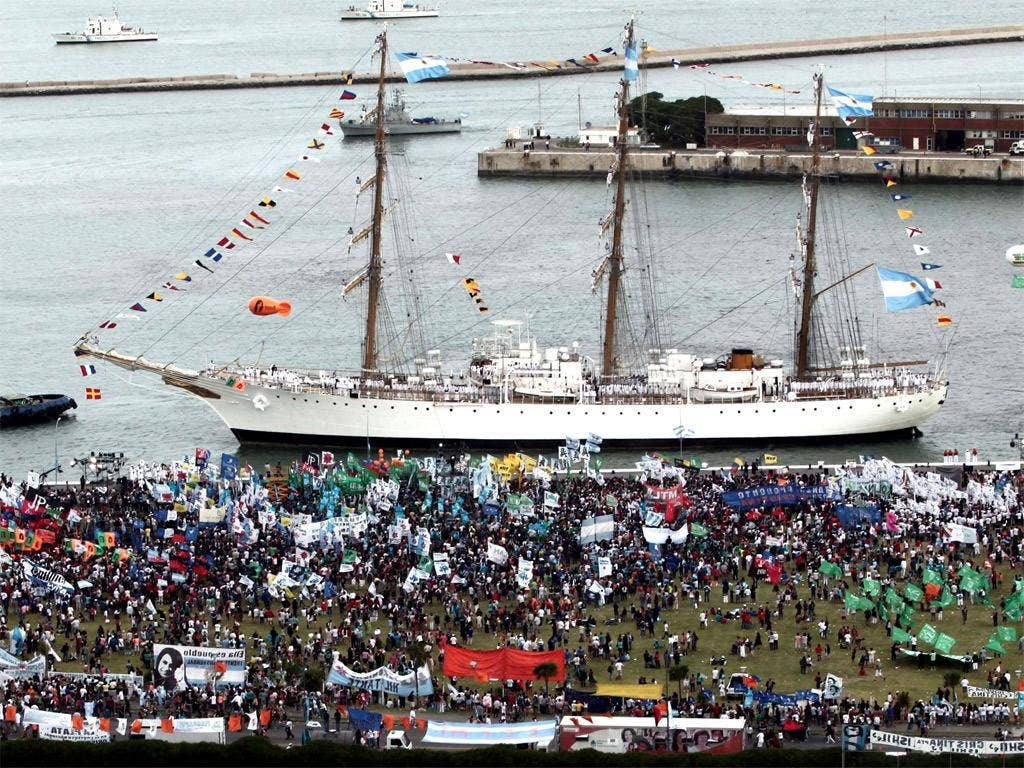 Hundreds of people attend the arrival of Argentina's frigate Libertad in Mar del Plata