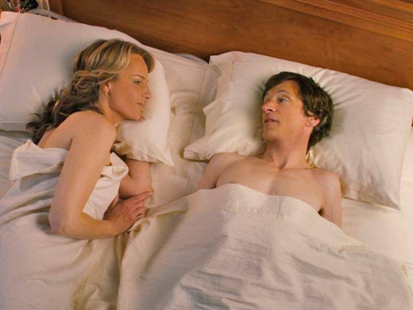 Helen Hunt with John Hawkes in The Sessions