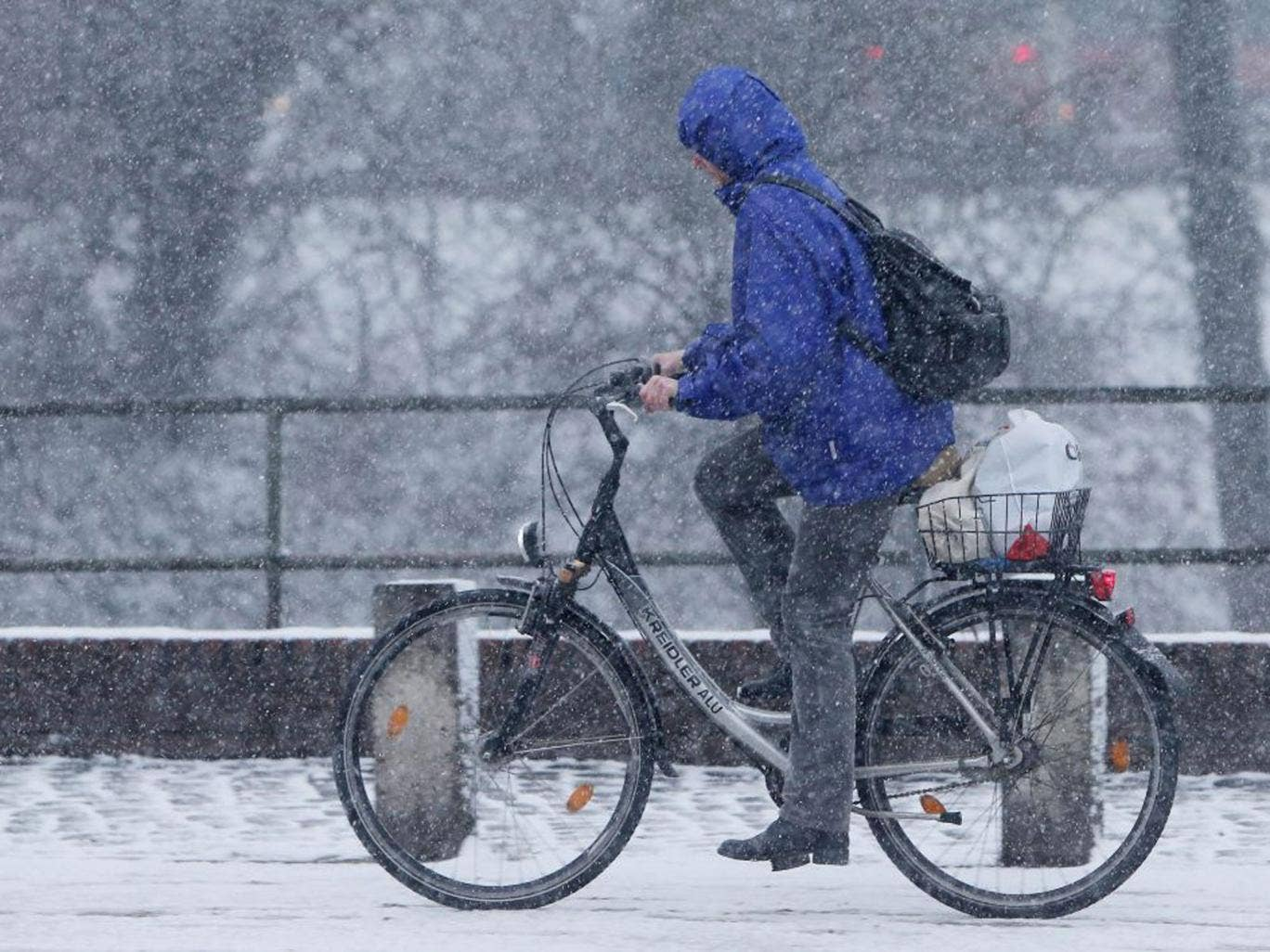 Snow is expected to fall across the country this weekend as plummeting temperatures usher in a cold snap