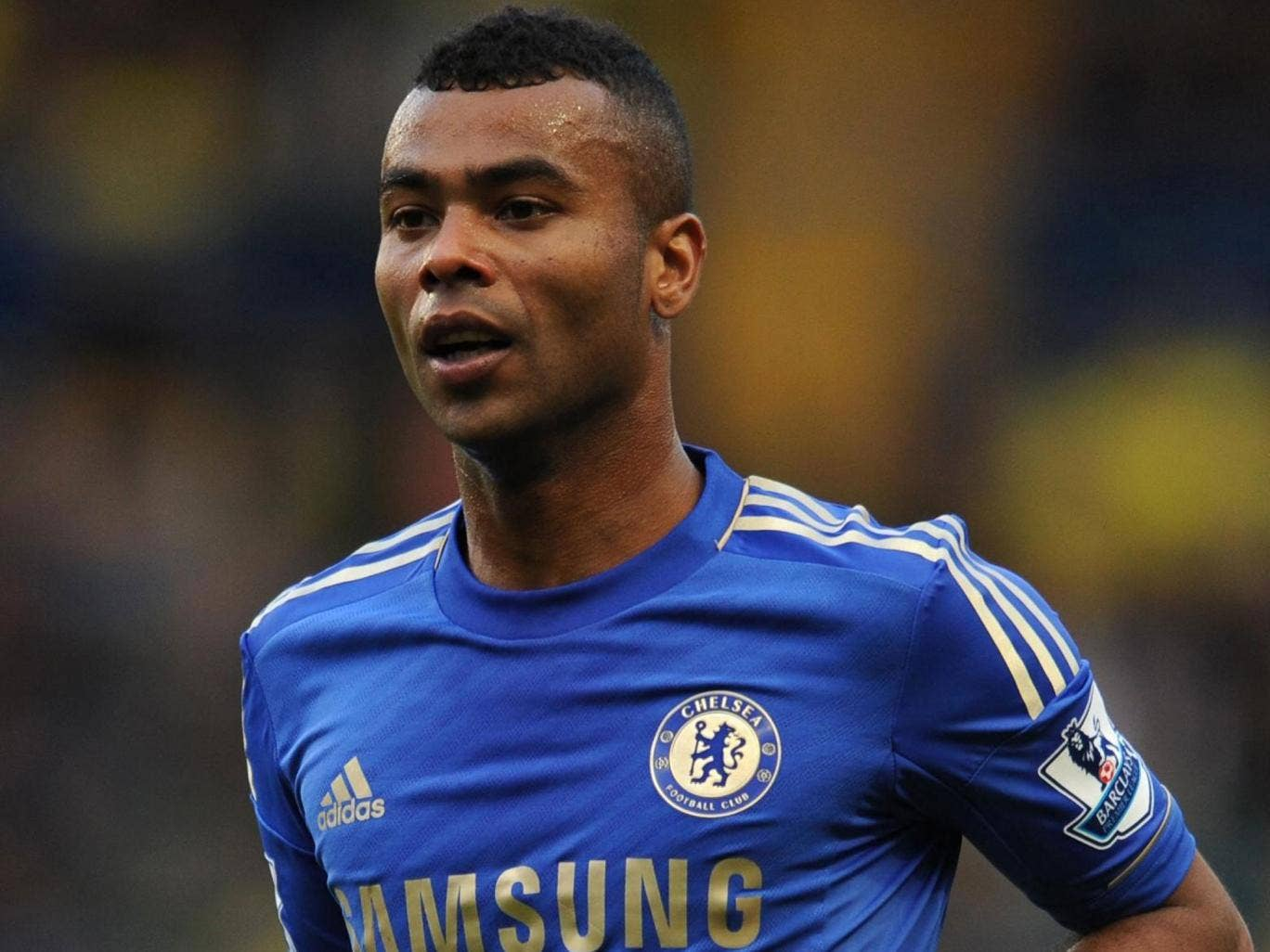 Ashley Cole has reportedly agreed to sign a new contract with Chelsea