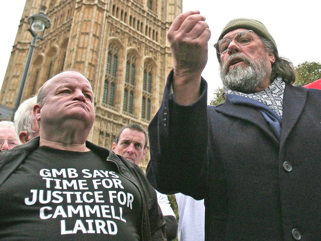Actor Ricky Tomlinson at a 'Shrewsbury 24' protest outside Parliament in 2009