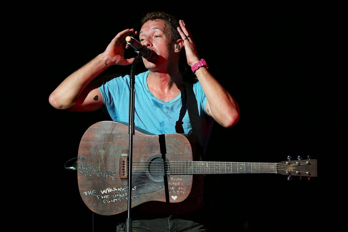 Coldplay's Chris Martin suffers from tinnitus