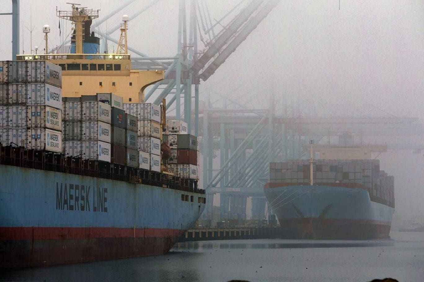 US economy shrinks unexpectedly in final quarter of 2012