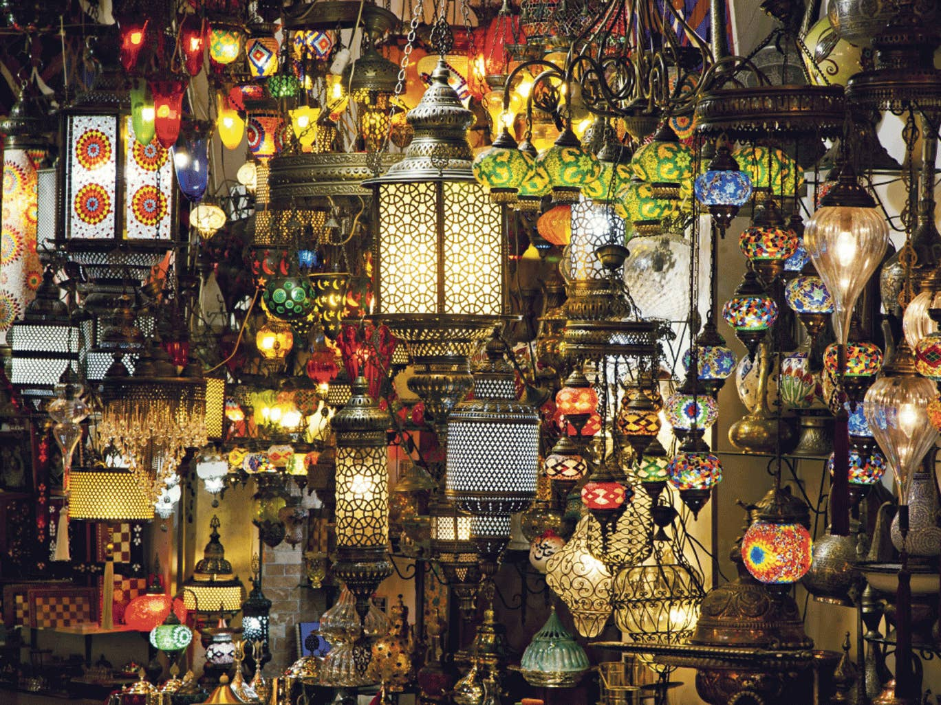 How bazaar: colourful lanterns for sale in Istanbul