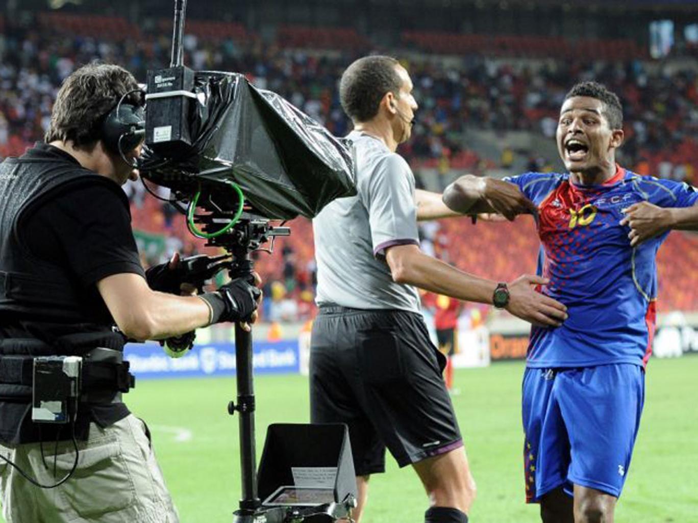 Heldon celebrates Cape Verde's late winner against Angola