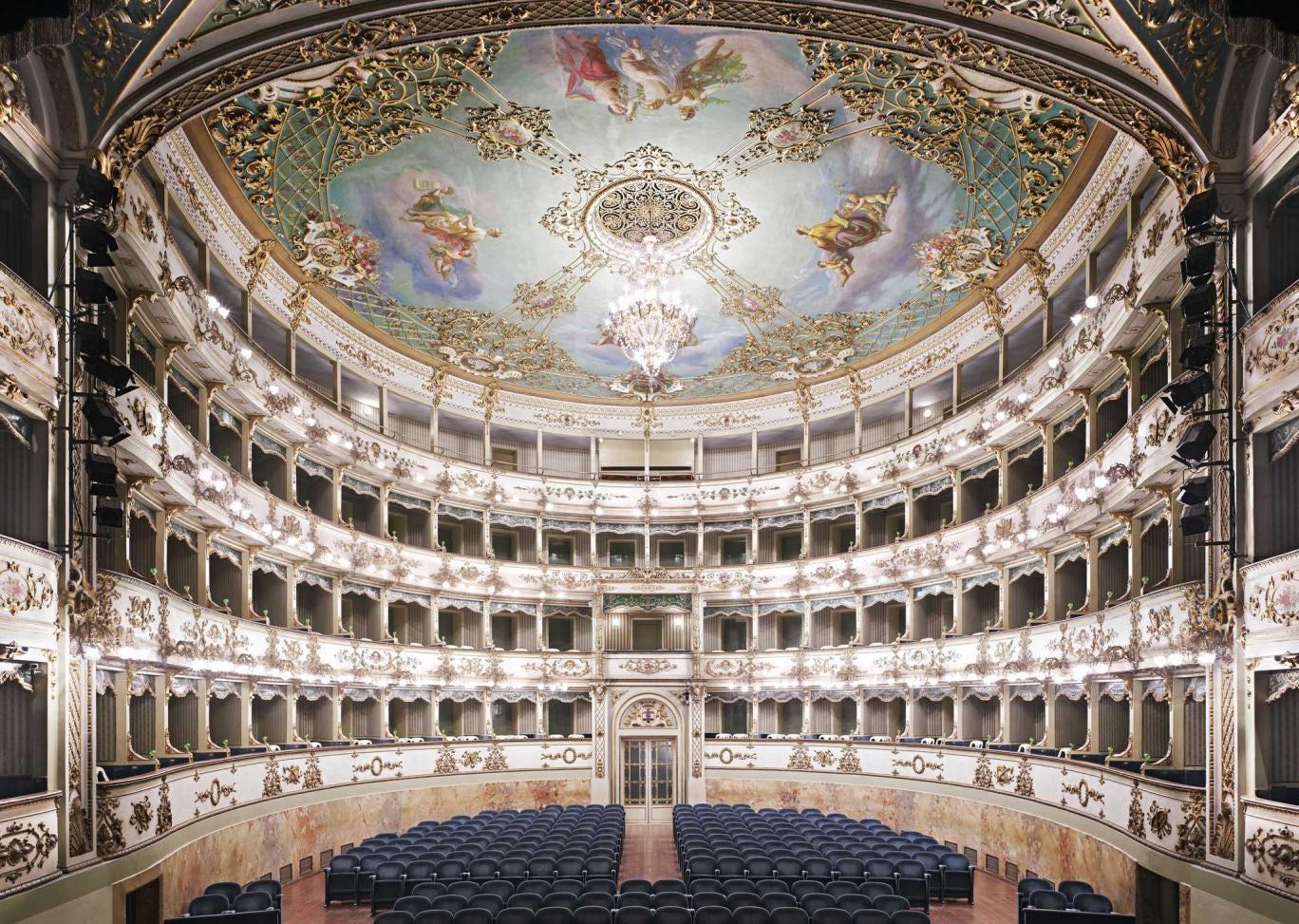 Welcome to the performance: 'Teatro Comunale di Carpi I', 2011