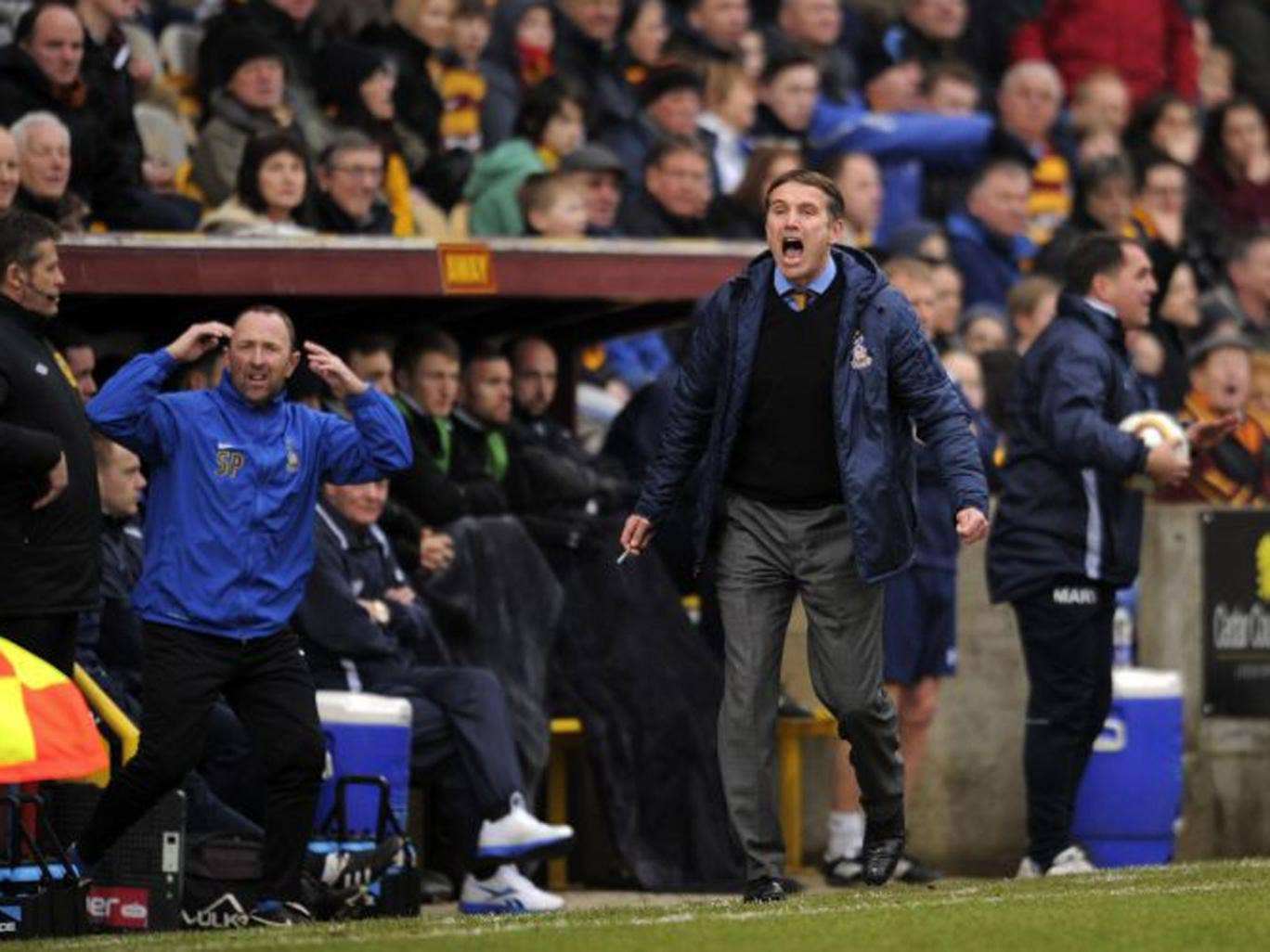 Bradford manager Parkinson says he will not have to tell his players how Swansea play ahead of the Capital One Cup final