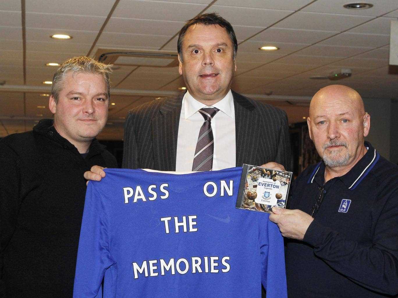 Beat the blues: Former Everton striker Graeme Sharp joins Billy Kennedy (right) and his son Matty as the club launch their dementia programme