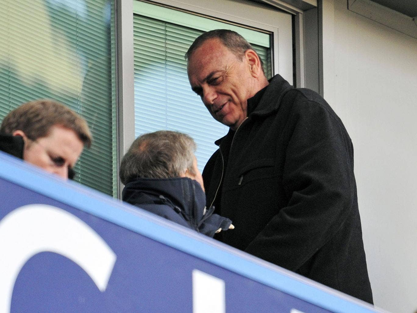 <b>Chelsea 4-0 Brentford</b><br/>Chelsea's Russian owner Roman Abramovich (L) is seen with Israeli former manager Avram Grant (R) during the English FA Cup fourth round replay