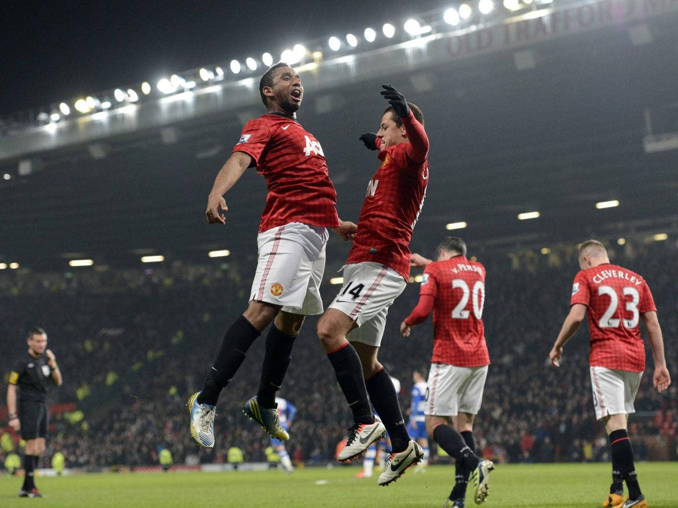 Anderson and Javi Hernandez celebrate during Manchester United's victory over Reading