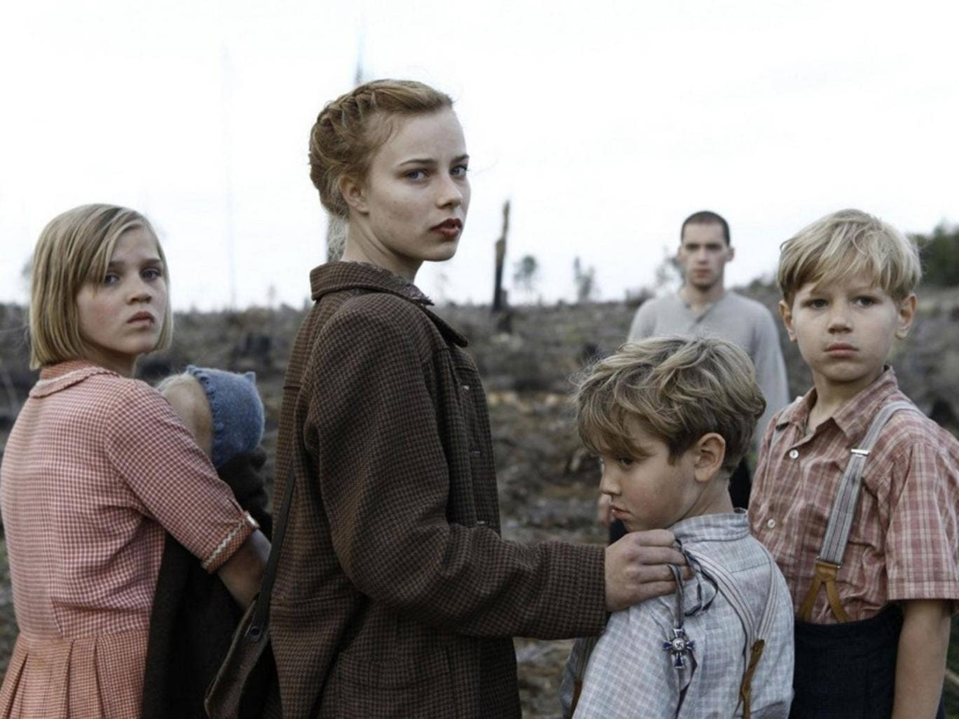 Children of war: Nele Trebs, Saskia Rosendahl, Mika Seidel and André Frid in the outstanding 'Lore'