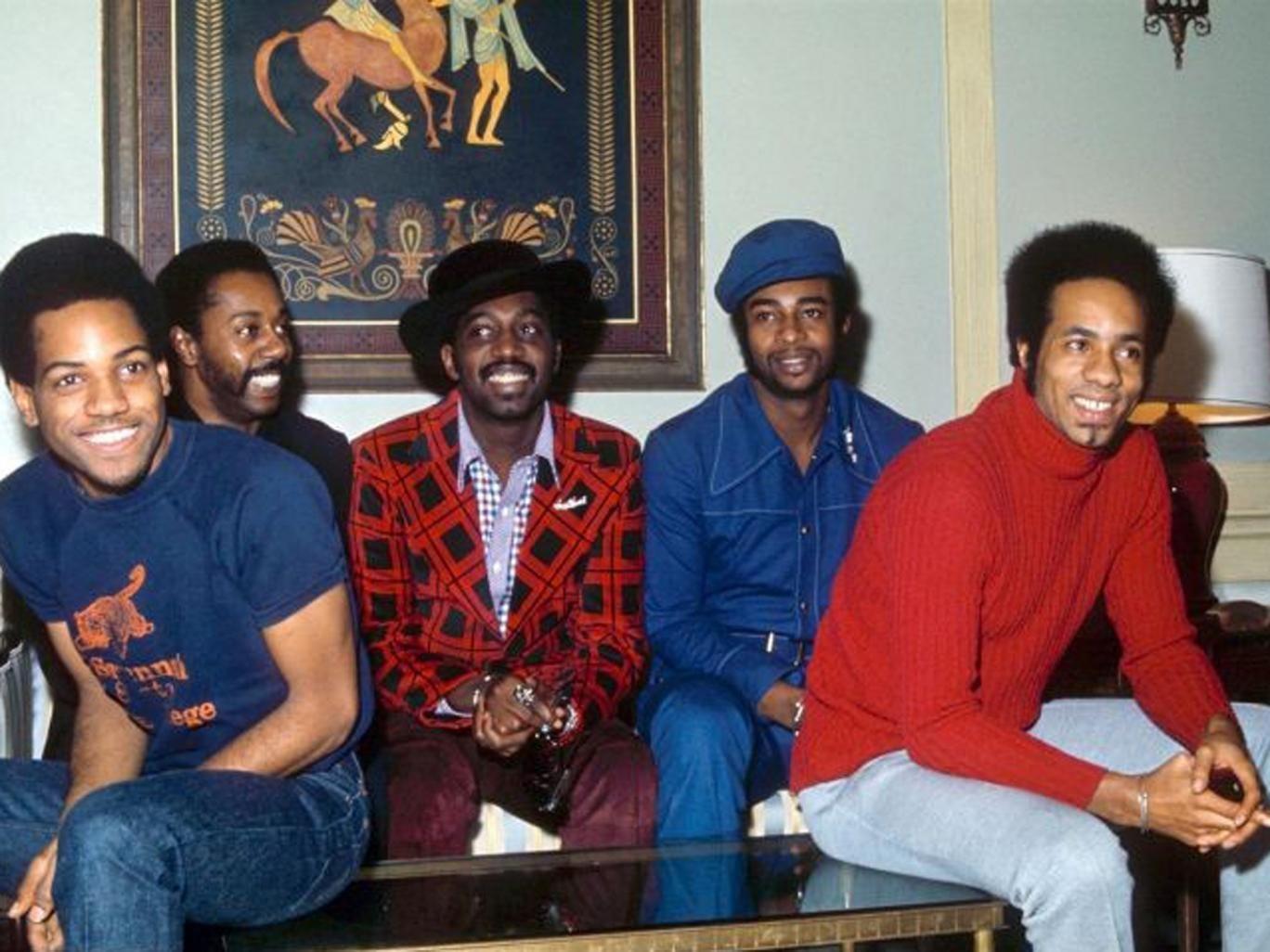 Harris (far left) with Melvin Franklin, Otis Williams, Dennis Edwards and Richard Street in 1972