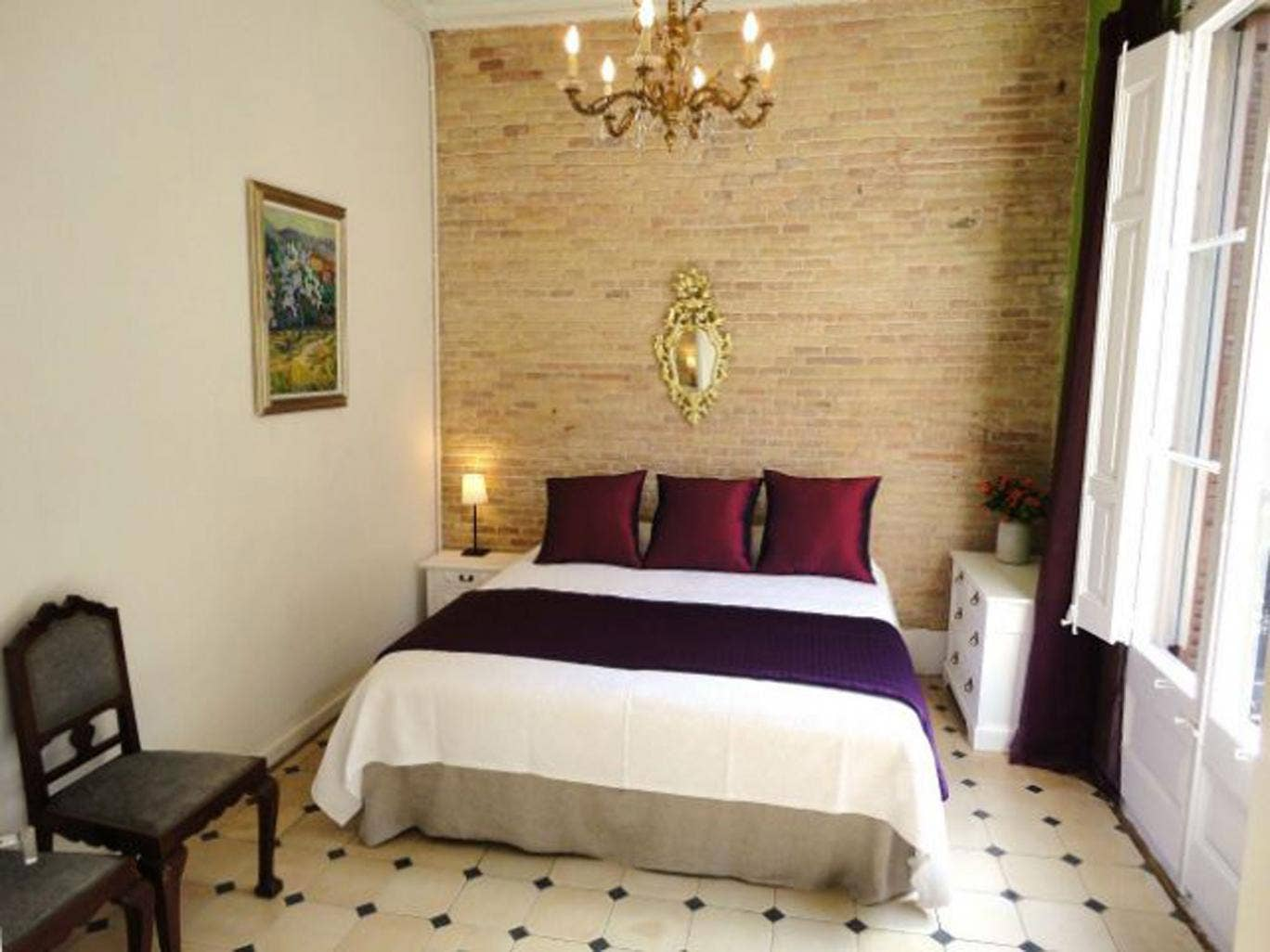 An El Balcon del Born' bedroom