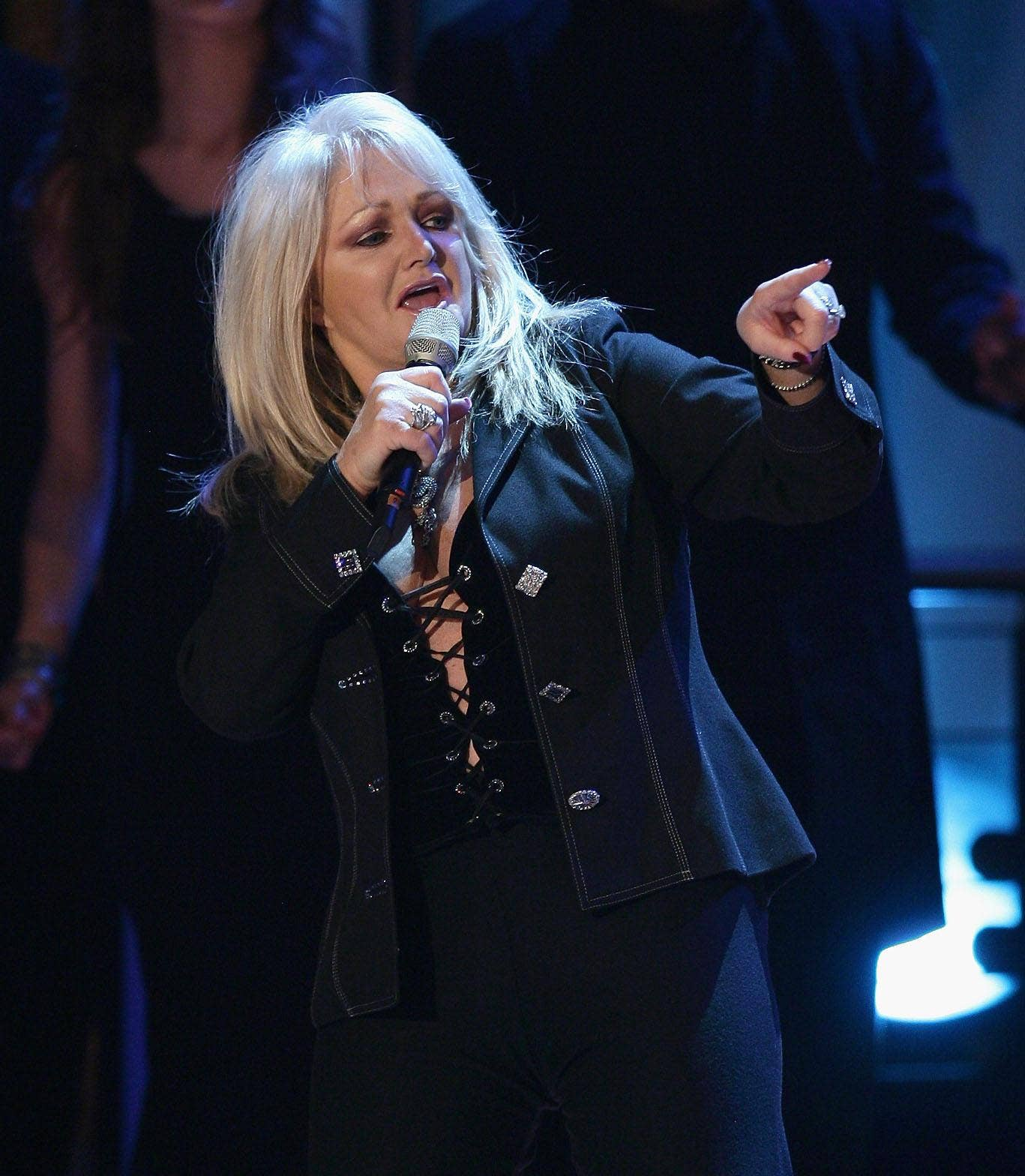 Bonnie Tyler will represent UK in Eurovision