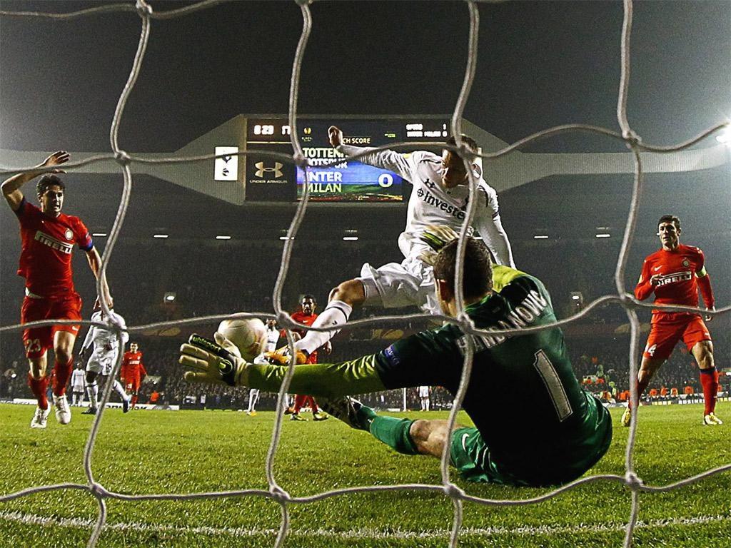 Gylfi Sigurdsson scores Spurs' second goal with a smart finish
